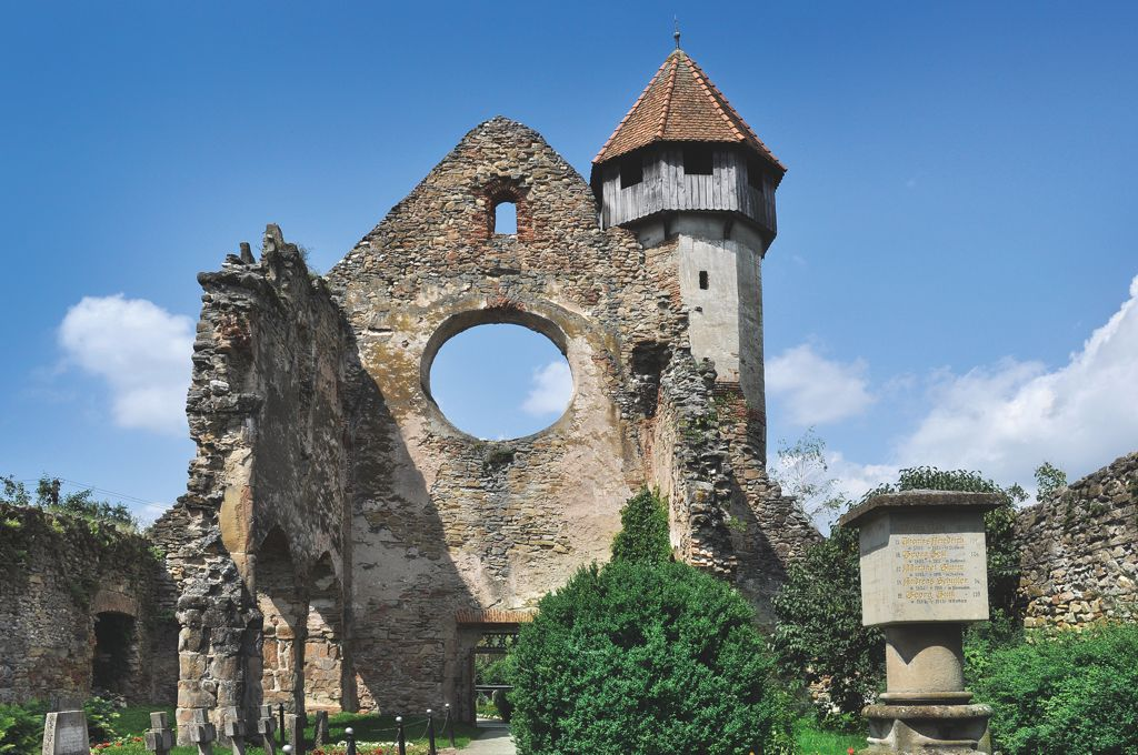 Cârţa Fortified Abbey